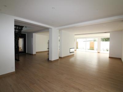 Maison de 205 m² entièrement rénovée, sur terrain de 645 m², Vannes-1